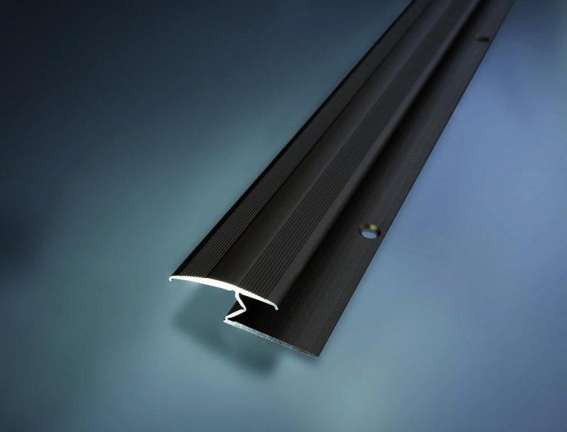 Prechodový flexi profil vŕtaný 28x13 mm