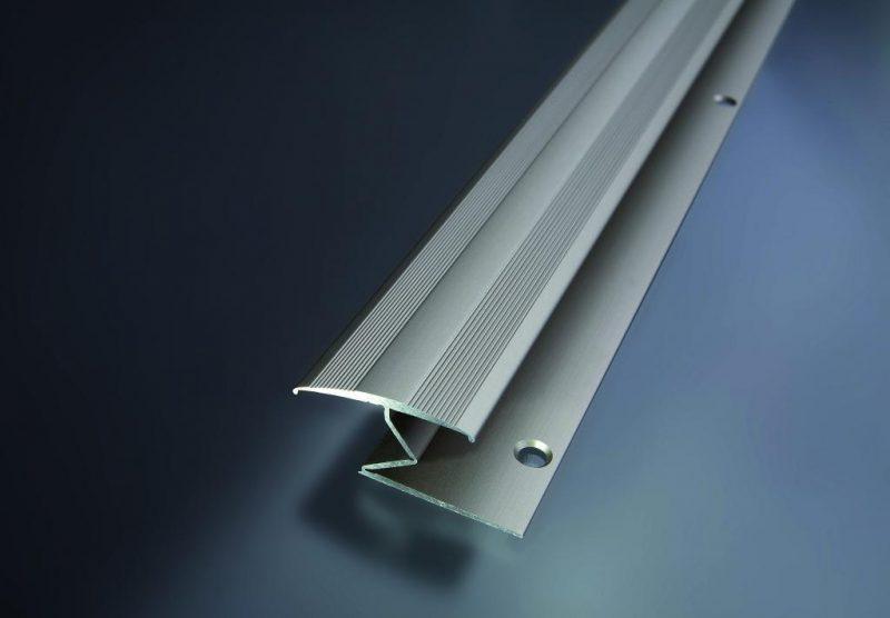 Prechodový flexi profil vŕtaný 30x20 mm