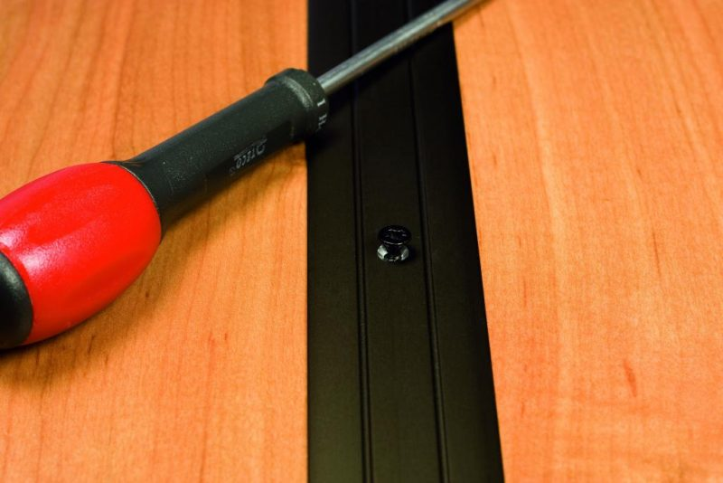 Prechodový profil vŕtaný 38x2.5 mm