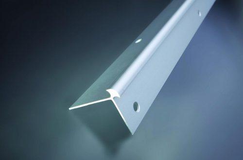 Schodová hrana vŕtaná 42x32 mm. hrúbka 5 mm