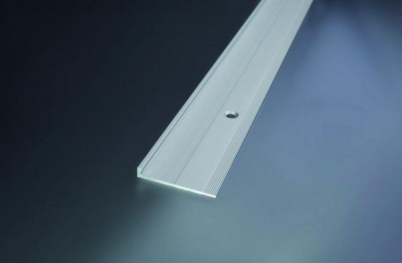 Ukončovací profil vŕtaný 32x4.8 mm. hrúbka 3 mm